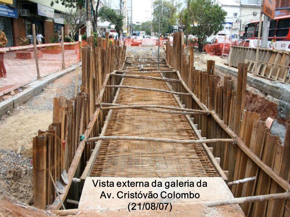 Vista externa da galeria da Av. Cristóvão Colombo (21/08/07)