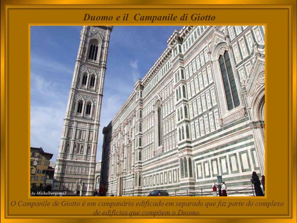 Cattedrale di Santa Maria del Fiore - Duomo A catedral impressiona pelo tamanho (é a quarta maior igreja da Europa), pelo uso das cores e, claro, por seu projeto arquitetônico.