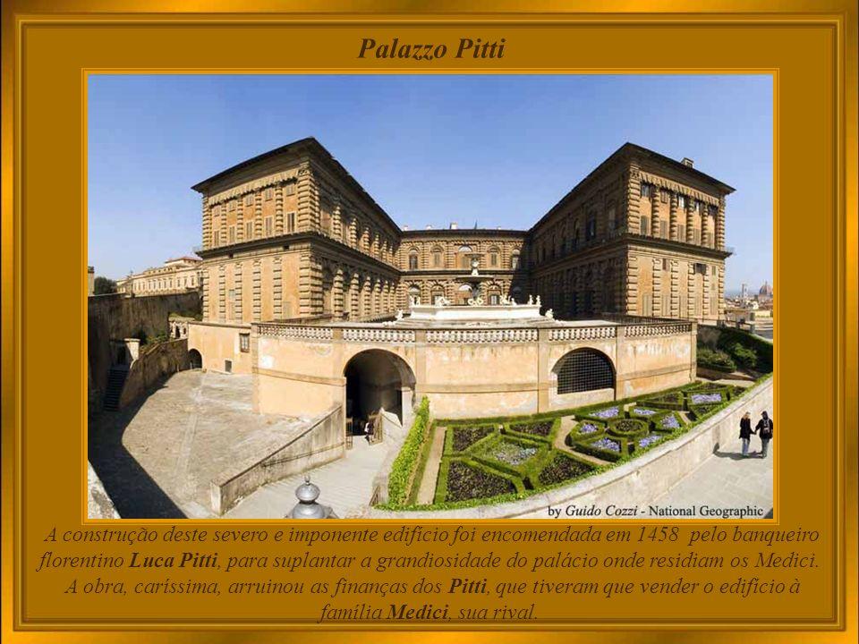 Palazzo Medici Riccardi No grande parque do lado norte, encontravam-se esculturas clássicas, algumas adquiridas em Roma.