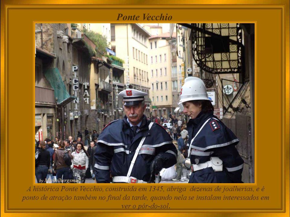 um dos mais belos cenários para a alegria de ser turista em Firenze Piazza della Signoria