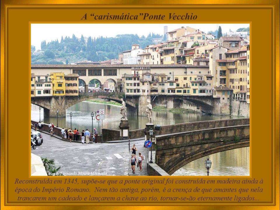 Joalheria na Ponte Vecchio, através da qual se avista o outro lado do rio Arno Ponte Vecchio