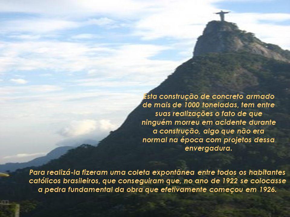 A estátua do Cristo Redentor ou Cristo do Corcovado é uma imagem de Jesus de 38 metros de altura com os braços abertos mostrando a cidade do Rio de Ja