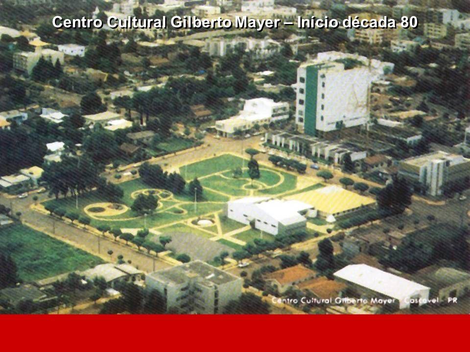 Rua General Osório - No centro da foto a antena da Telepar