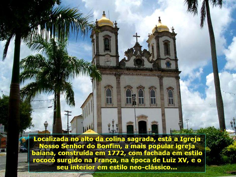 Igreja da Ordem Terceira de São Francisco, no Pelourinho, construída em 1702, em estilo barroco espanhol, tem sua fachada em pedra lavrada, único exem