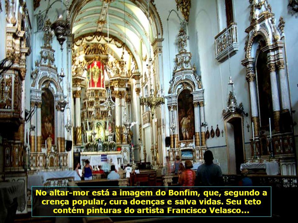 Localizada no alto da colina sagrada, está a Igreja Nosso Senhor do Bonfim, a mais popular igreja baiana, construída em 1772, com fachada em estilo ro