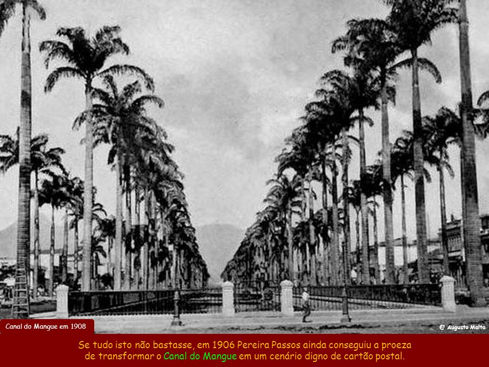 Avenida Atlântica em 1923 A Av. Atlântica começou a ser aberta em 1905 e no início as ondas da calçada eram perpendiculares à praia, mas constantes re