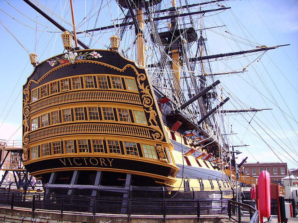 Em 1812 o Victory foi retirado do serviço activo e ancorado em Portsmouth, na costa Sul da Inglaterra, onde nos 110 anos seguintes desempenhou um conjunto de missões práticas e de cerimónia.1812Portsmouth
