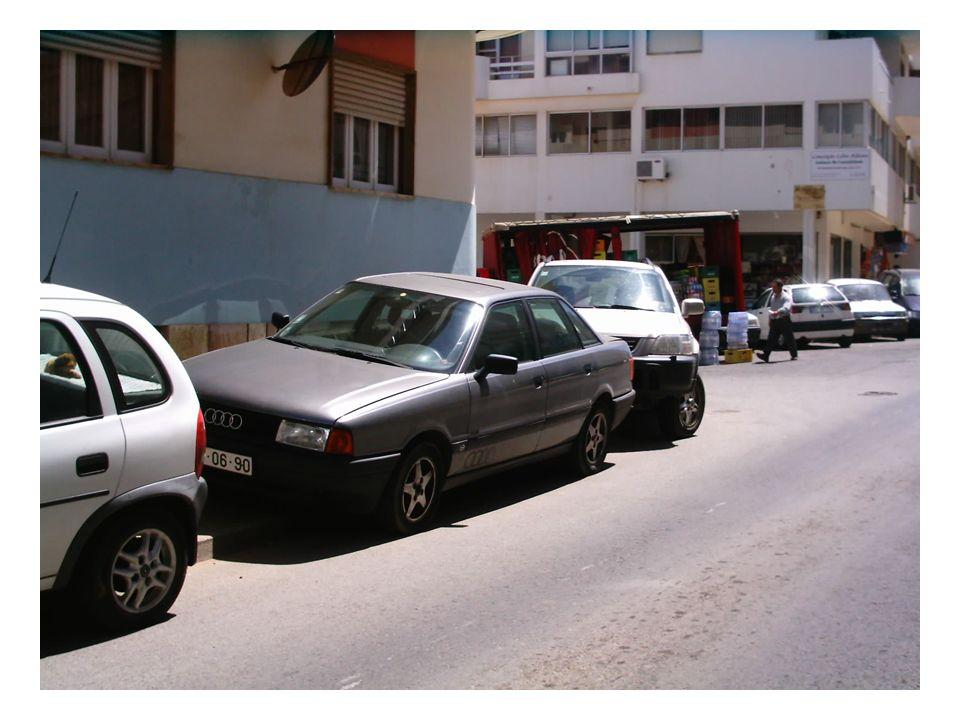 O estacionamento é também um dos grandes problemas da cidade. Talvez,quem sabe, deixe de o ser devido ao Novo parque de estacionamento subterrâneo,mes