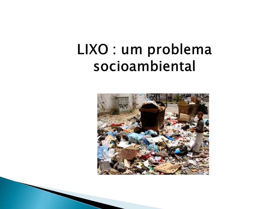 O lixo sempre existiu,mas com o crescimento da população e com o surgimento das grandes cidades e industrias,a quantidade de lixo foi aumentando gradualmente.