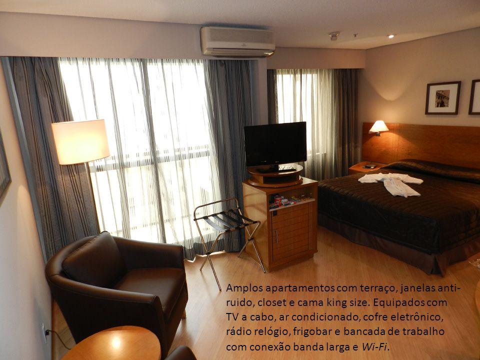 Amplos apartamentos com terraço, janelas anti- ruido, closet e cama king size. Equipados com TV a cabo, ar condicionado, cofre eletrônico, rádio relóg