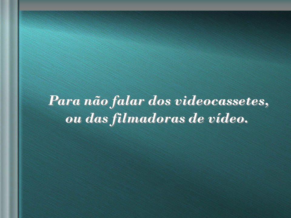 nilsonhussar@yahoo.com.br Falando em máquinas, não existiam cafeteiras automáticas, micro-ondas nem rádio-relógios-despertadores.