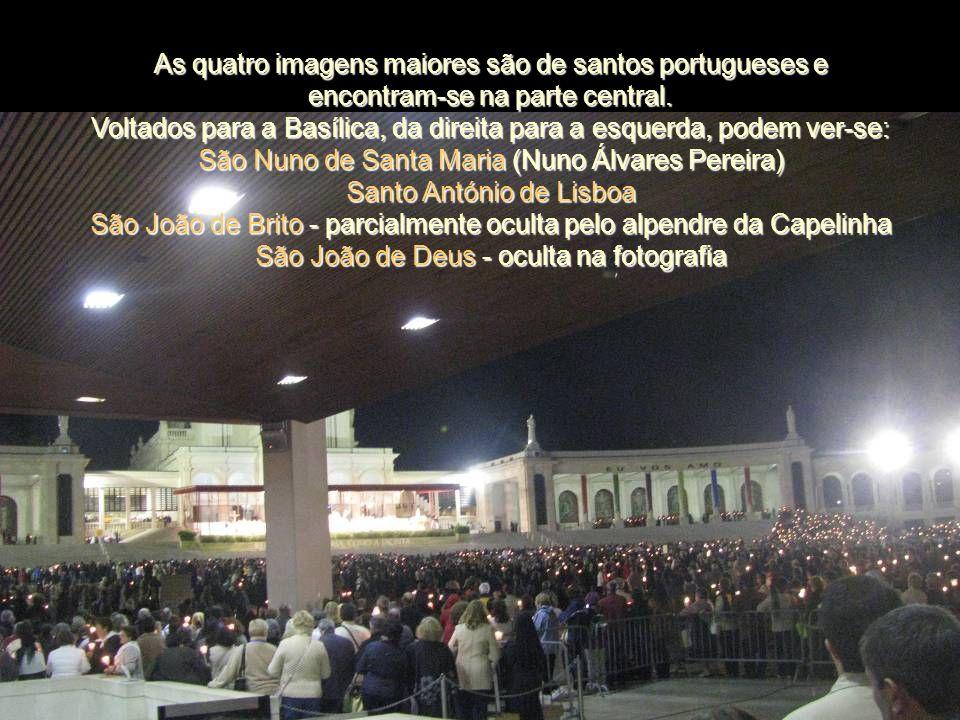 Colunata É o conjunto arquitectónico que liga a Basílica aos edifícios construídos de cada lado do recinto. Obra do arquitecto António Lino, é compost