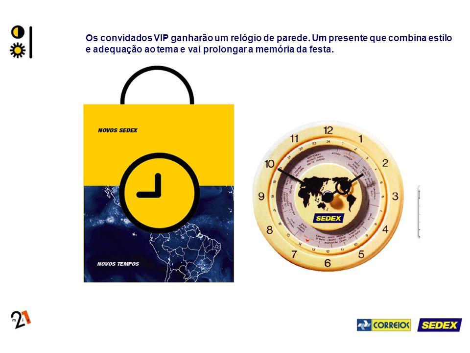 Os convidados VIP ganharão um relógio de parede. Um presente que combina estilo e adequação ao tema e vai prolongar a memória da festa.