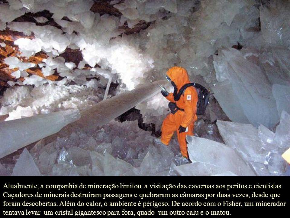 Os maiores cristais foram encontrados na Gruta das Espadas