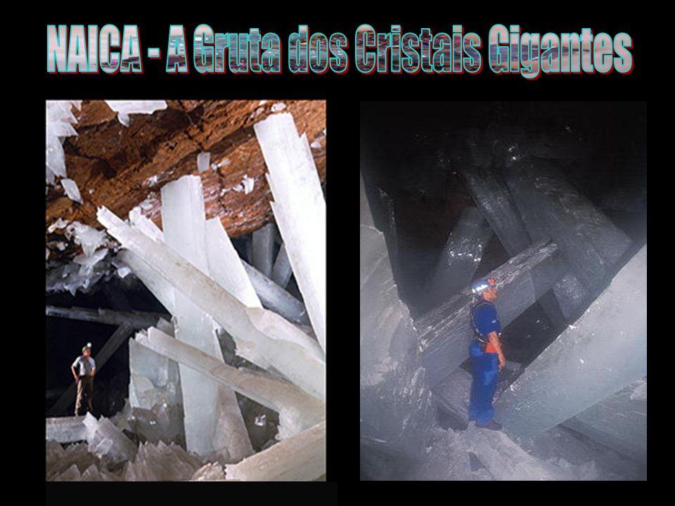Na menor das duas cavernas, do tamanho de um apartamento de 2 quartos, a temperatura é de 100 Fahrenheit (40°C).