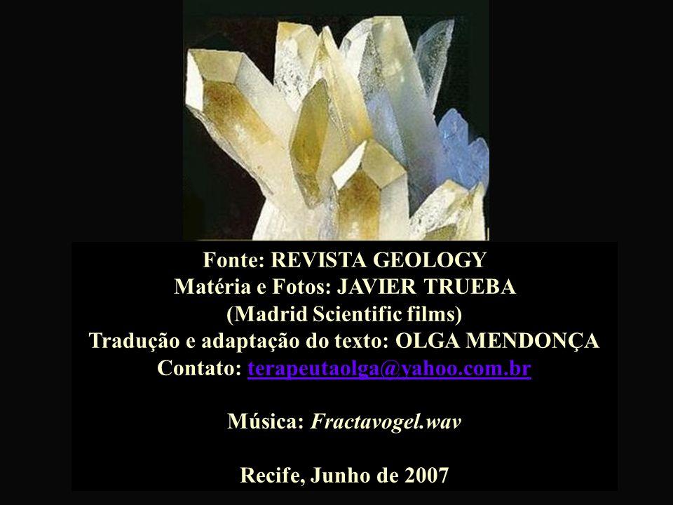 Chihuahua, México, lar de duas cavernas quentes que contêm os maiores cristais naturais do mundo... O primeiro cristal de selenita retirado da caverna