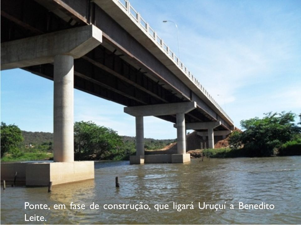 Ponte, em fase de construção, que ligará Uruçuí a Benedito Leite.