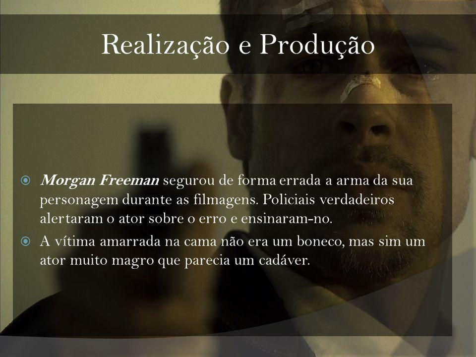 Realização e Produção Morgan Freeman segurou de forma errada a arma da sua personagem durante as filmagens. Policiais verdadeiros alertaram o ator sob