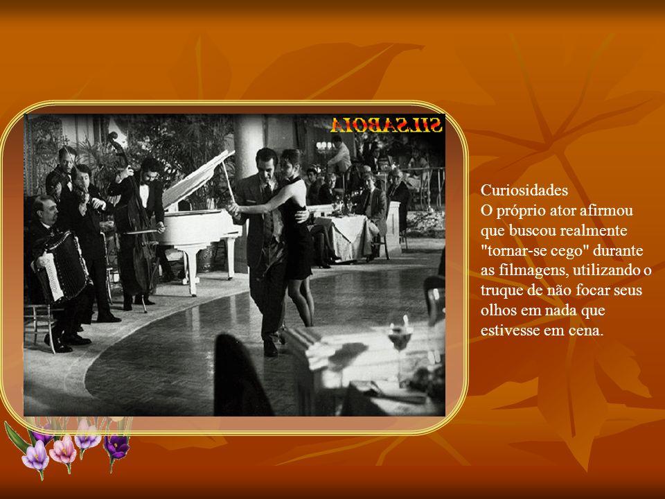- Perfume de Mulher é a refilmagem de um filme italiano de mesmo nome, lançado em 1974, dirigido por Dino Risi e estrelado por Vittorio Gassman. - Dur