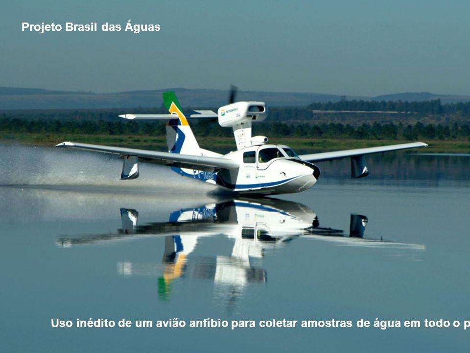 Projeto Brasil das Águas Uso inédito de um avião anfíbio para coletar amostras de água em todo o país