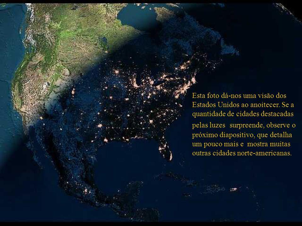 Grande São Paulo Rio de Janeiro O mesmo ponto geográfico com outro recurso de satélite realça outras cidades. Por exemplo: O ponto luminoso acima da r