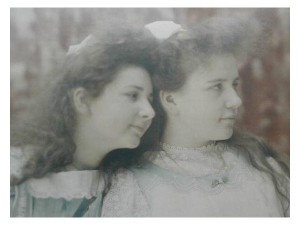 SUBITAMENTE, AOS NOSSOS OLHOS, O MUNDO PARECE PASSAR DA SOMBRA À LUZ… Fotografias em cores foram realizadas na França nos anos 1860, mas a técnica era