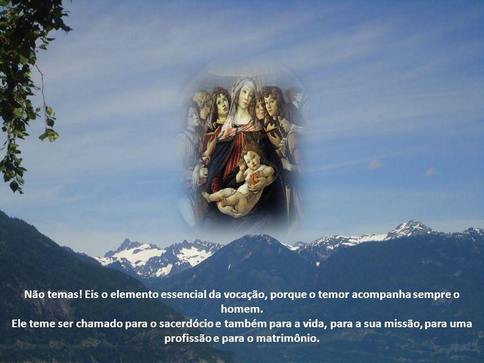 Contemplamos o mistério da Anunciação, um dos mais importantes da nossa Fé.