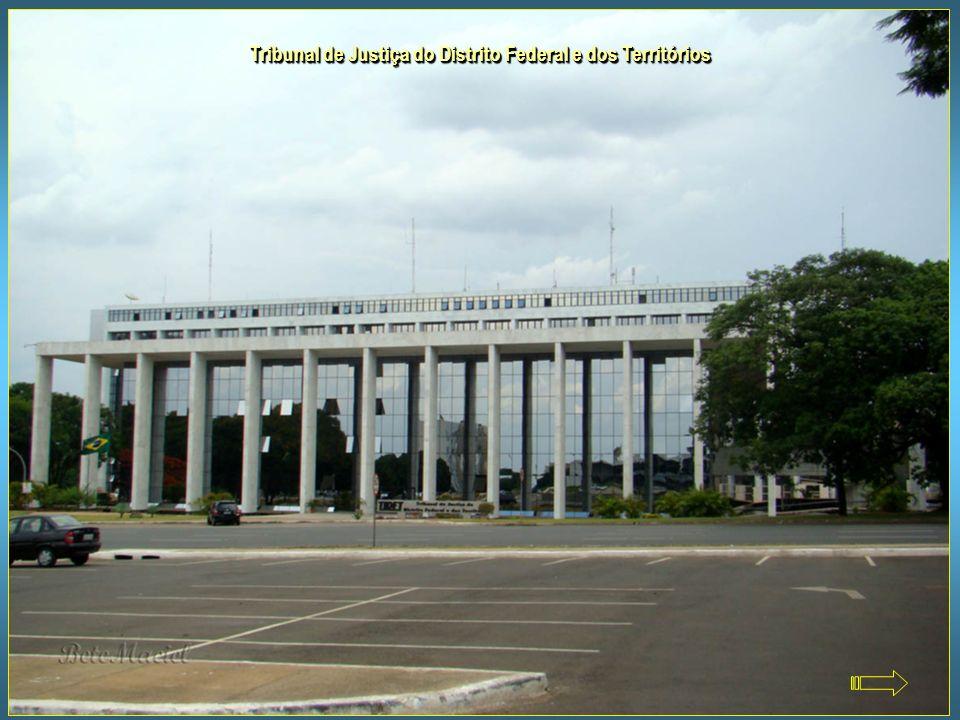 Palácio do Jaburu - Residência Oficial do Vice-Presidente do Brasil Ao lado da lagoa que lhe deu o nome e às margens do Lago Paranoá, o Palácio do Jab
