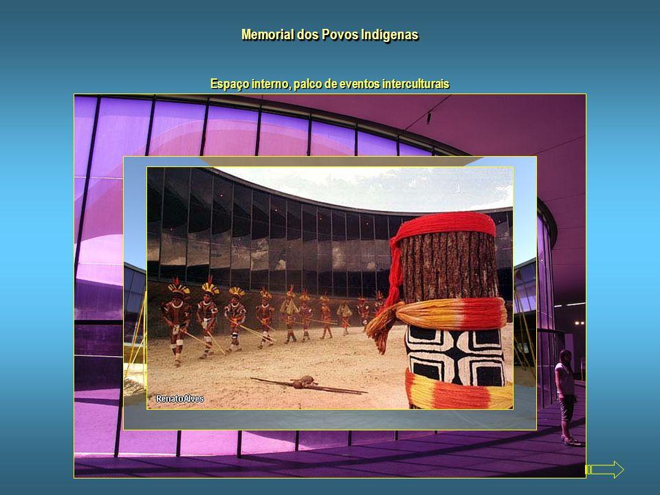 Memorial dos Povos Indígenas Construído em 1987, o Memorial dos Povos Indígenas foi projetado por Oscar Niemeyer em forma de espiral que remete a uma
