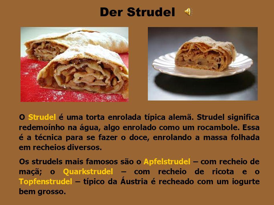 DER STREUSELKUCHEN Quando os alemães chegaram no Brasil ensinaram os brasileiros a fazer esse bolo macio coberto com uma farofa doce feita de farinha,