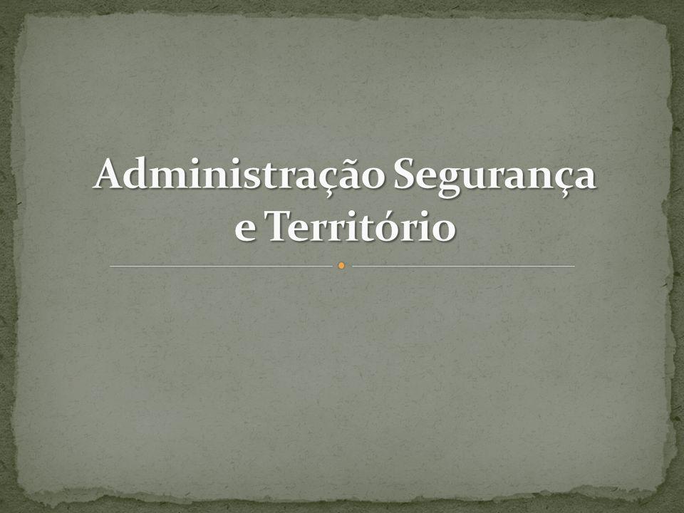 Sociedade Tecnologia e Ciência Trabalho elaborado por: Sandra Correia 2 É da responsabilidade das autarquias mandar tapar os buracos das estradas.