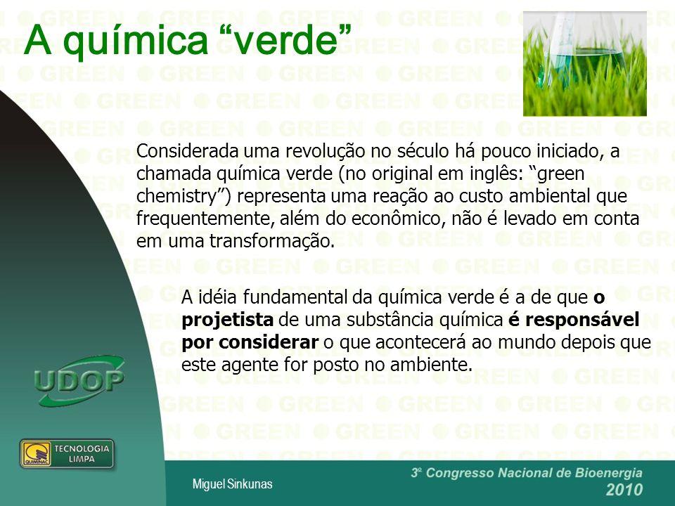 A química verde Considerada uma revolução no século há pouco iniciado, a chamada química verde (no original em inglês: green chemistry) representa uma reação ao custo ambiental que frequentemente, além do econômico, não é levado em conta em uma transformação.