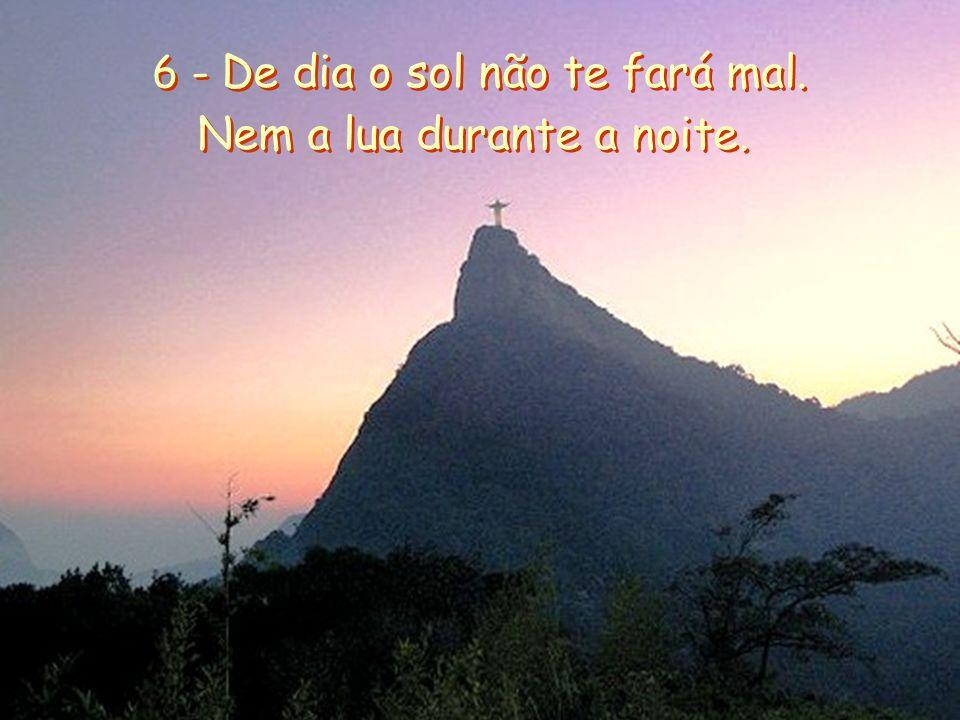 5 - O Senhor é teu guarda, o Senhor é teu abrigo, sempre ao teu lado. 5 - O Senhor é teu guarda, o Senhor é teu abrigo, sempre ao teu lado.