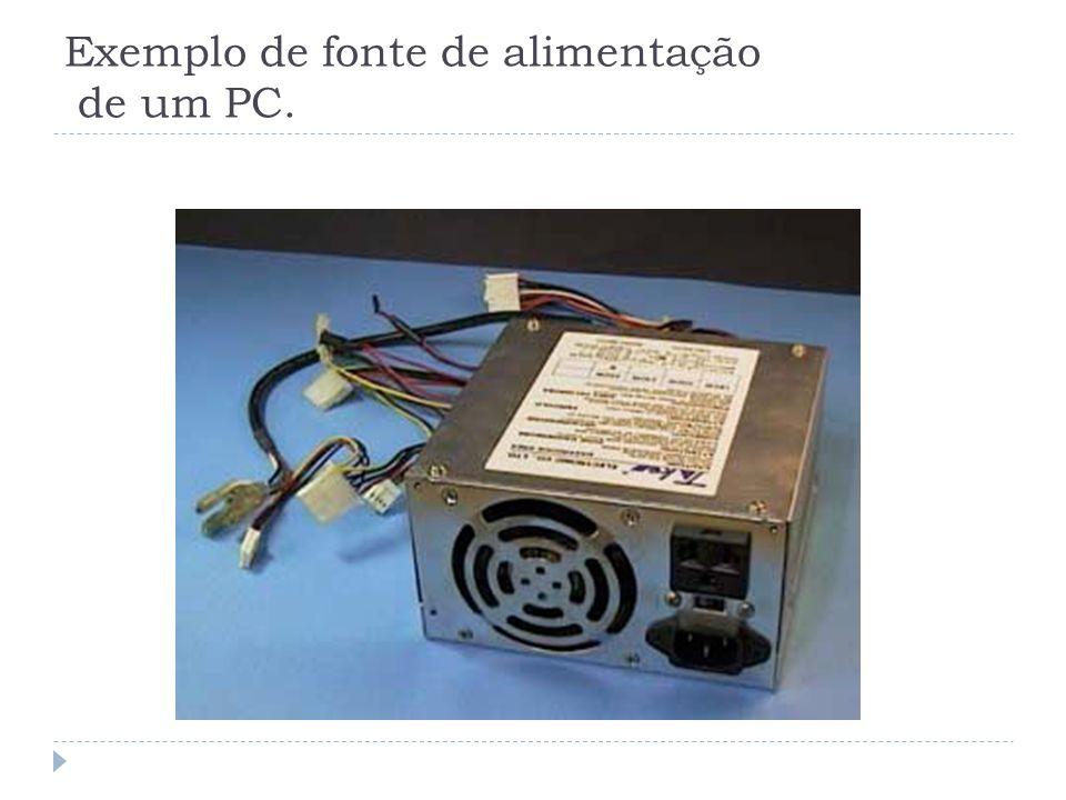 Conector para a fonte de alimentação * As placas de CPU possuem um conector, normalmente localizados na parte superior direita, próprio para a conexão com a fonte de alimentação.