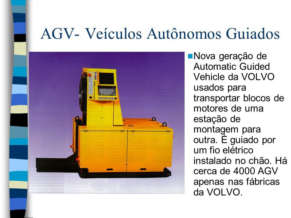 AGV- Veículos Autônomos Guiados Nova geração de Automatic Guided Vehicle da VOLVO usados para transportar blocos de motores de uma estação de montagem