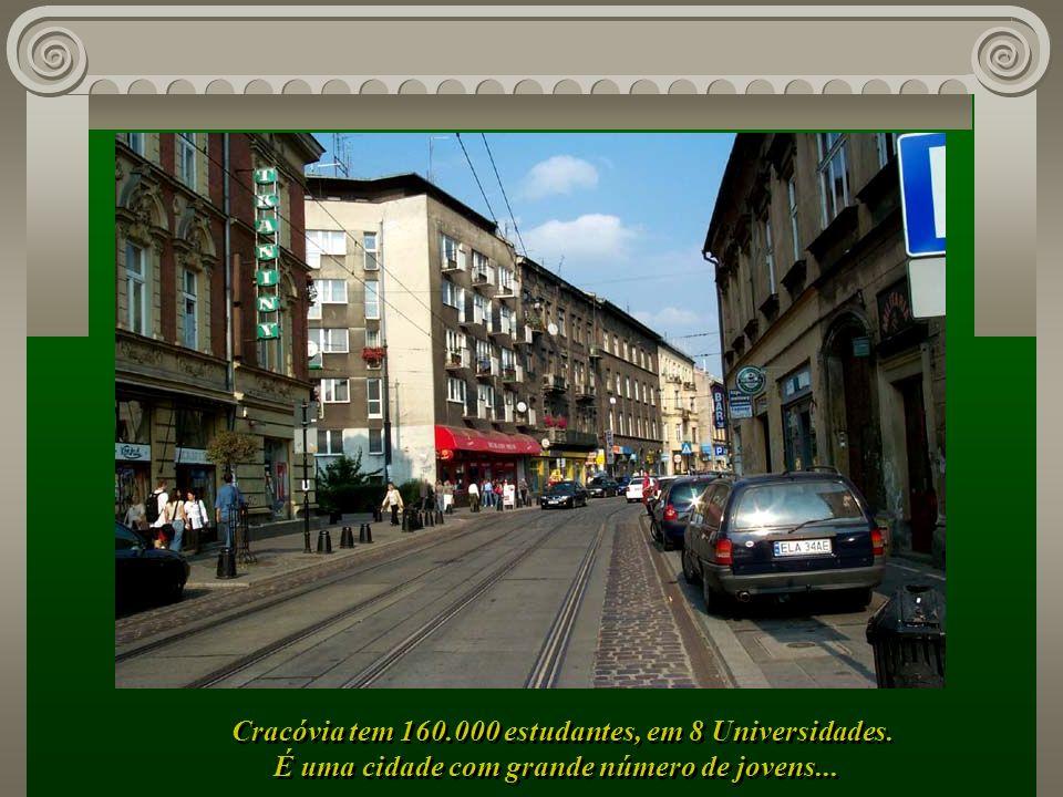 Suas ruas cheias de encanto, com os bondinhos percorrendo todos os cantos da cidade...