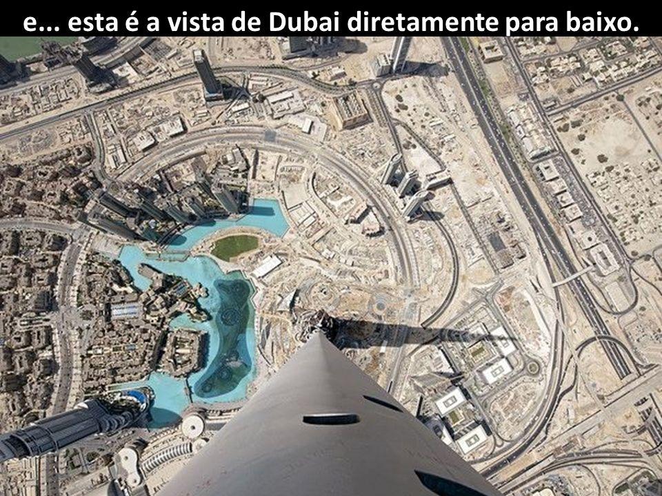 Dubai vista do arranha-céu Burj Halifa. Altura 828 metros - 163 pisos