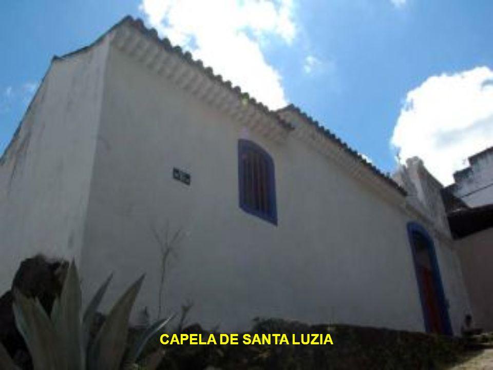 CENTRO - EDIFICAÇÕES HISTÓRICAS Vitória é uma cidade de antigas edificações. Mesmo antes de tornar-se a capital do Espírito Santo, seu território já c
