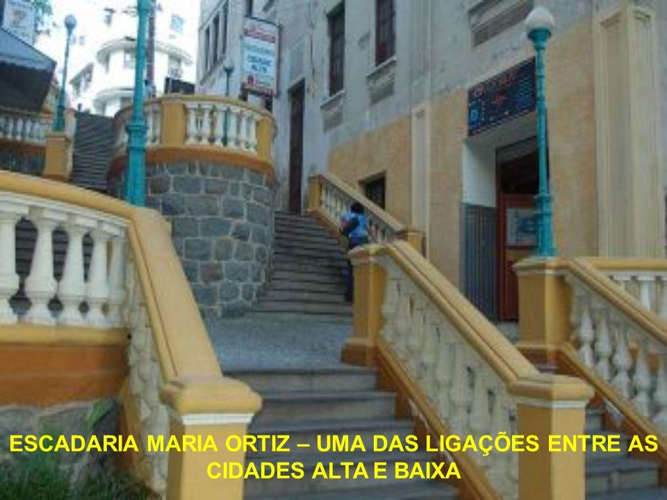 A Escadaria de São Diogo foi construída ao lado de um antigo forte de proteção de Vitória, o Forte São Diogo, que tinha a posição estratégica de monit