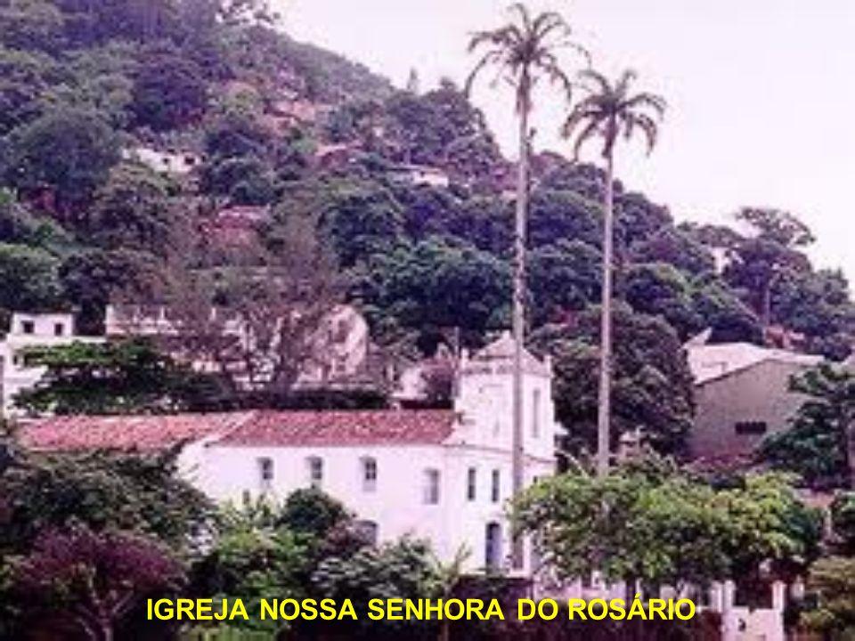 No local onde hoje se encontra a Igreja de São Gonçalo, já havia, em 1707, uma capela que foi construída pela Irmandade de Nossa Senhora do Amparo e d