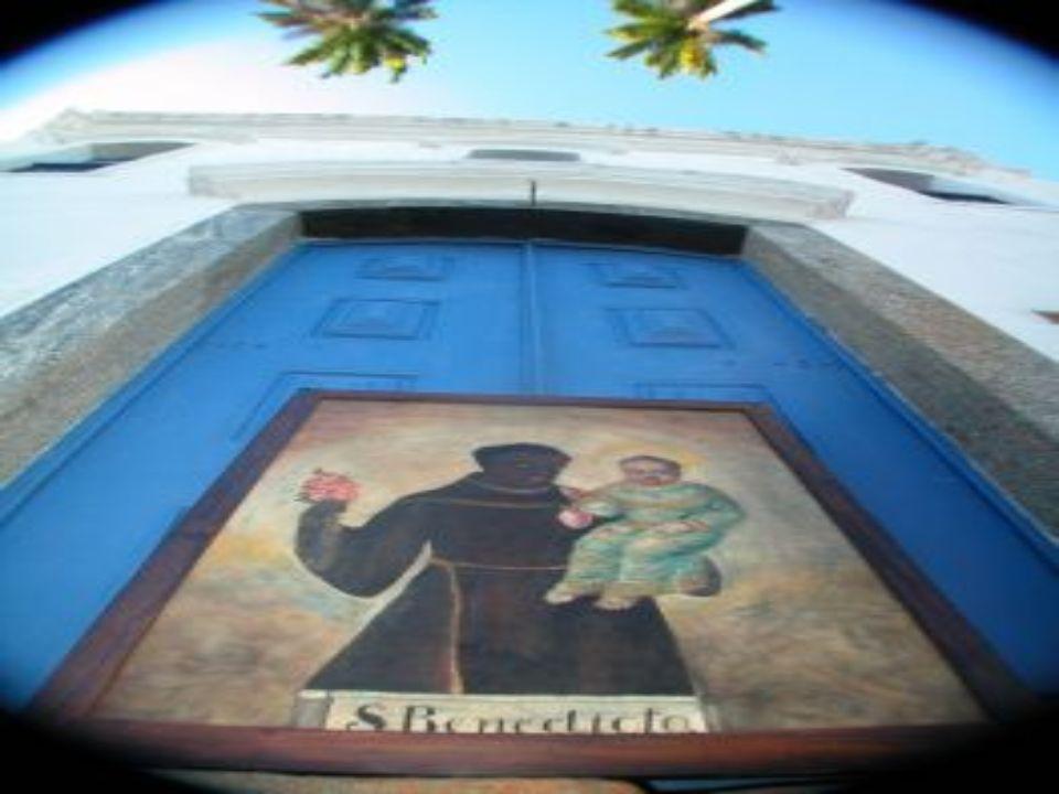 A construção da Igreja de Nossa Senhora do Rosário foi iniciada em 1765. A estrutura principal foi concluída em dois anos, com a mão de obra escrava n