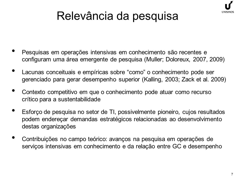 8 Constructos teóricos Estratégia organizacional e RBV Drucker (1993), Porter (1980, 1985), Mintzberg (2000, 2006), Spender e Grant (1996), Spender (1996), Barney (1991), Grant (1991), Prahalad e Hamel (1990), Simon (1965) Gestão do conhecimento e estratégias do conhecimento Alavi e Leidner (2001), Nonaka (1994, 1998), Wiig (1999), Bhatt (2001), Polanyi (1966), Gonçalo e Jacques (2010), Zack (1999), Teece (1998, 2000), Nonaka e Kono (1998), Sveiby (2001), Allee (2000), Nonaka e Takeuchi (1997), Davenport e Prusak (1998), Hansen (1999) Modelos de avaliação e níveis de maturidade Shin (2004), Wen (2009), Bose (2004), Bontis (1999, 2001), Ehms e Langen (2002), Gold et al.