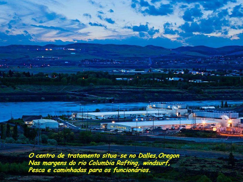 O centro de tratamento situa-se no Dalles,Oregon Nas margens do rio Columbia Rafting, windsurf, Pesca e caminhadas para os funcionários.