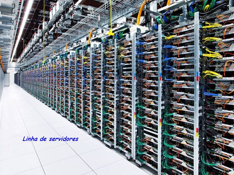 Os roteadores são interligados por fibra óptica amarelo, (200,000 vezes mais rápido do que as ligações mais rapidas da internet)