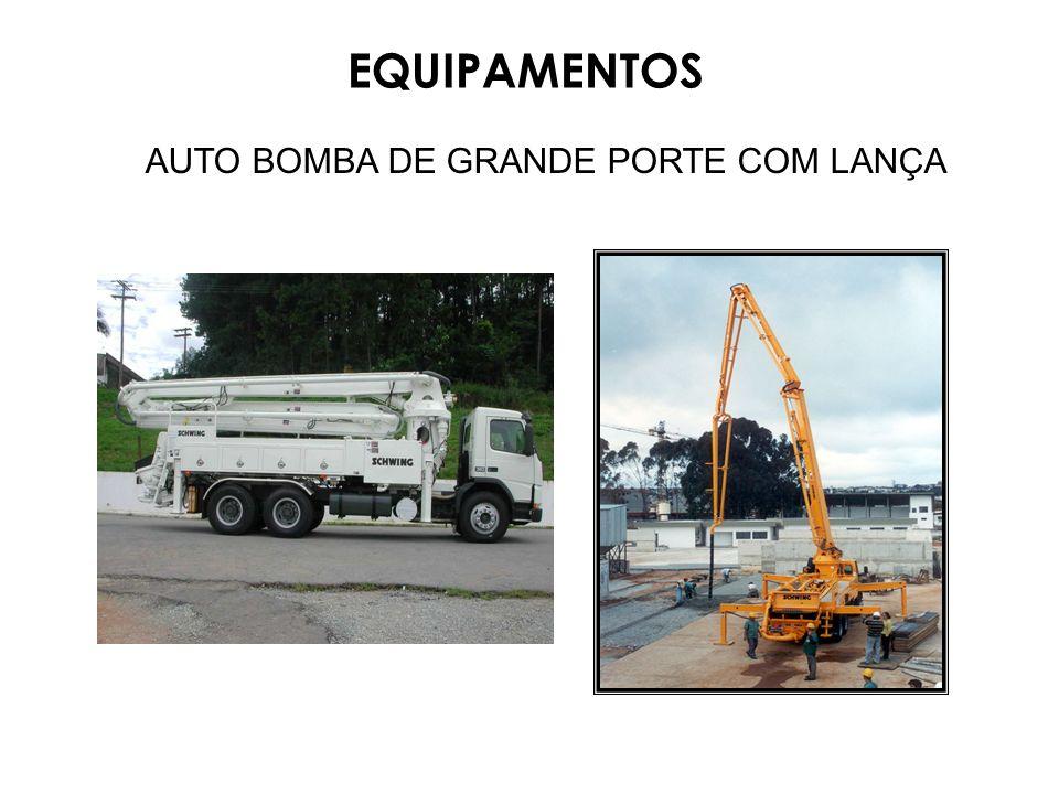 AUTO BOMBA DE GRANDE PORTE COM LANÇA EQUIPAMENTOS
