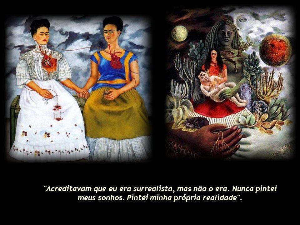 Em 13 de julho de 1954, com 47 anos, Frida Kahlo morre devido a uma embolia pulmonar, deixando um legado que ainda impressiona o mundo.