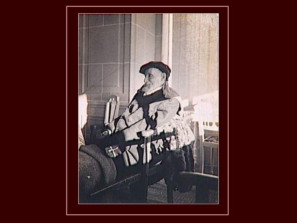 Também passava longas temporadas com sua família em alguns balneários do sul da França (Vichy, Bourbonne-les-Bains e Aix-les- Bains) para beneficiar-s
