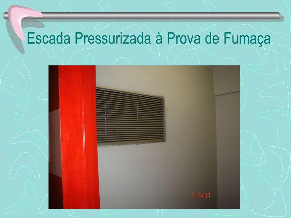 Escada Pressurizada à Prova de Fumaça