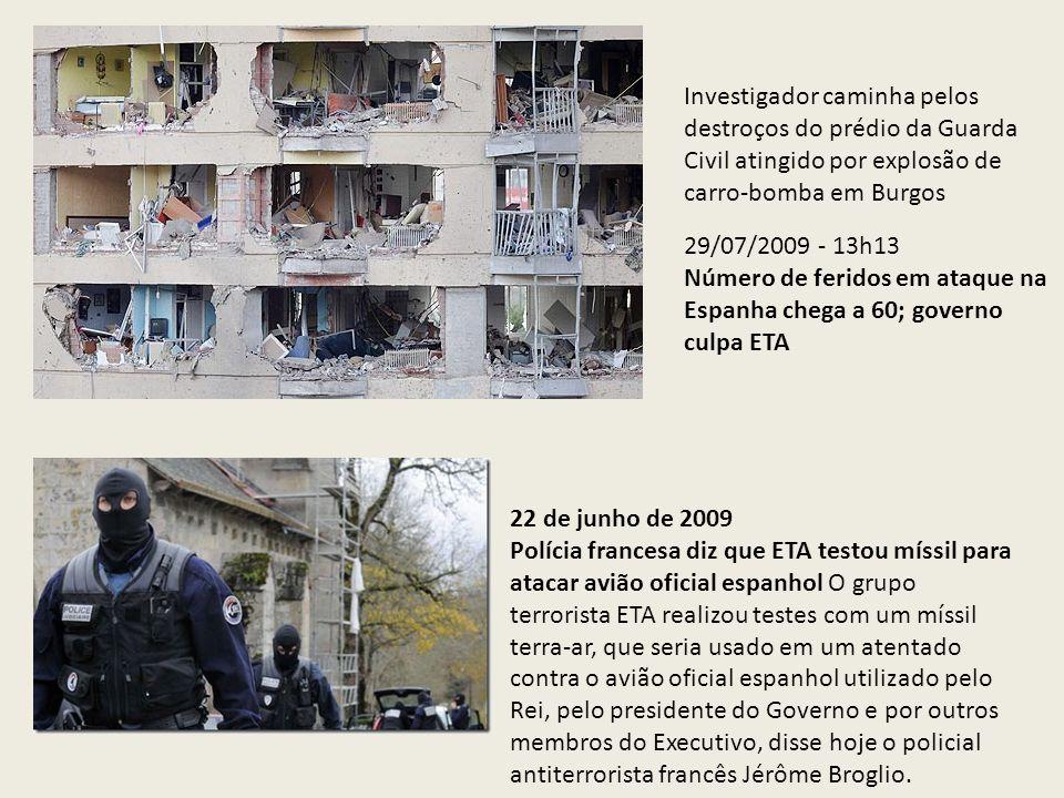 Investigador caminha pelos destroços do prédio da Guarda Civil atingido por explosão de carro-bomba em Burgos 29/07/2009 - 13h13 Número de feridos em