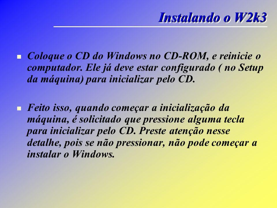 Coloque o CD do Windows no CD-ROM, e reinicie o computador. Ele já deve estar configurado ( no Setup da máquina) para inicializar pelo CD. Feito isso,